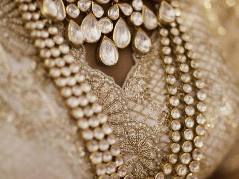 kundan-jewellery-guide-to-help-you-purchase-like-a-pro-18